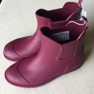 NWT Cat & Jack girls rain boots sz 13